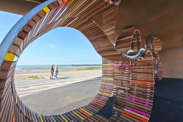 The Longest Bench in the World (9 pics)