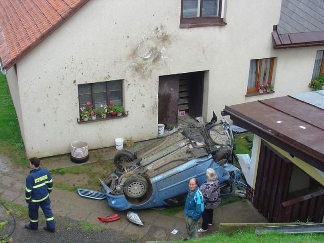 House vs Car (3 pics)