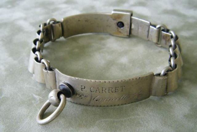Antique Collars (13 pics)