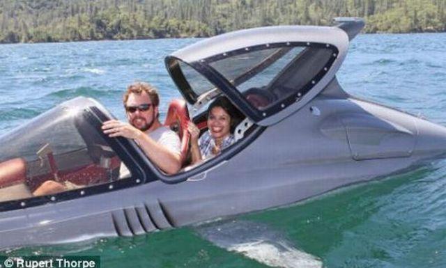 Jawride - Would You Ride a Shark? (9 pics)