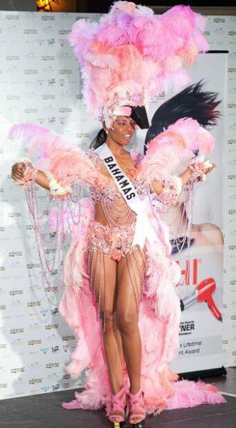 National Costumes at Miss Universe 2010 (30 pics)