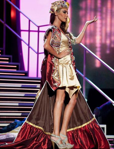 National Costumes at Miss Universe 2010. Part 2 (21 pics)