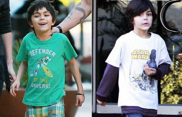 Megan Fox Wears Her Stepsons T-Shirts (3 pics)