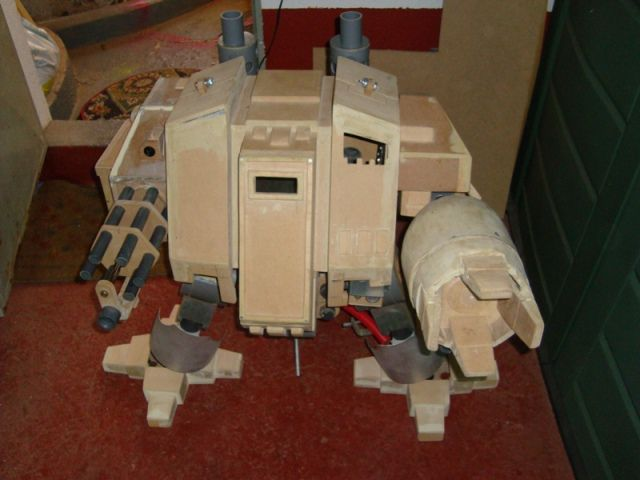 Awesome Warhammer 40K Giant Dreadnought Case Mod (97 pics)