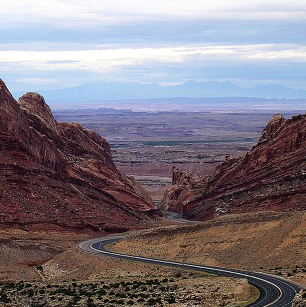 The Most Amazing Roads in the World (41 pics)