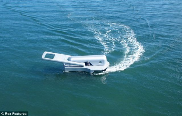 Weirdest Boat of the Year Looks like a Zipper Tab! (3 pics)