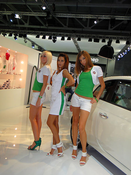 Russian Girls at a Car Show (51 pics)