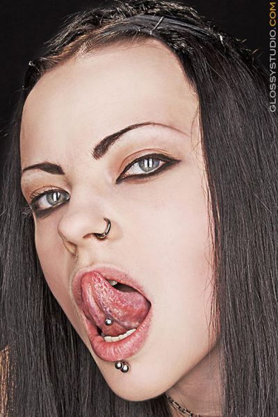 Some Facial Piercings (18 pics)