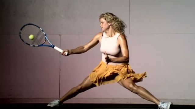 Women Hitting Very Hard the Ball (27 pics)