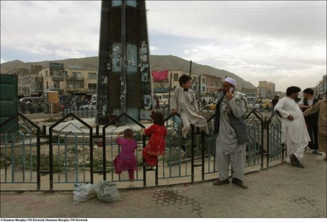 Comparing Afghanistan of 2010 and 1994 (22 pics)