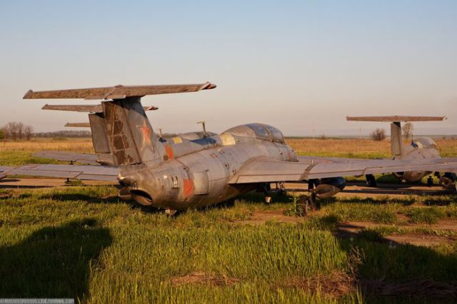 Abandoned Ukrainian Airfield (42 pics)