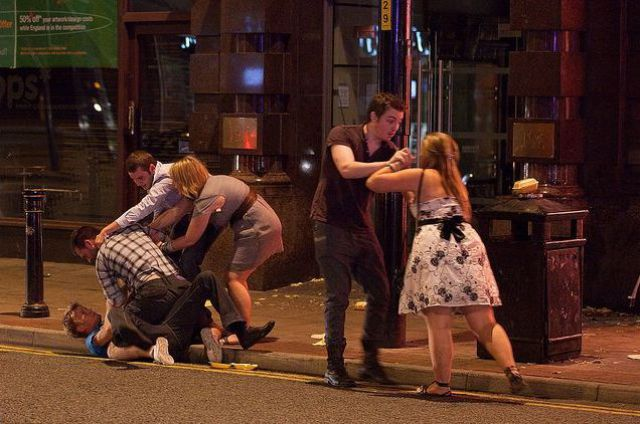Night Life in England (30 pics)