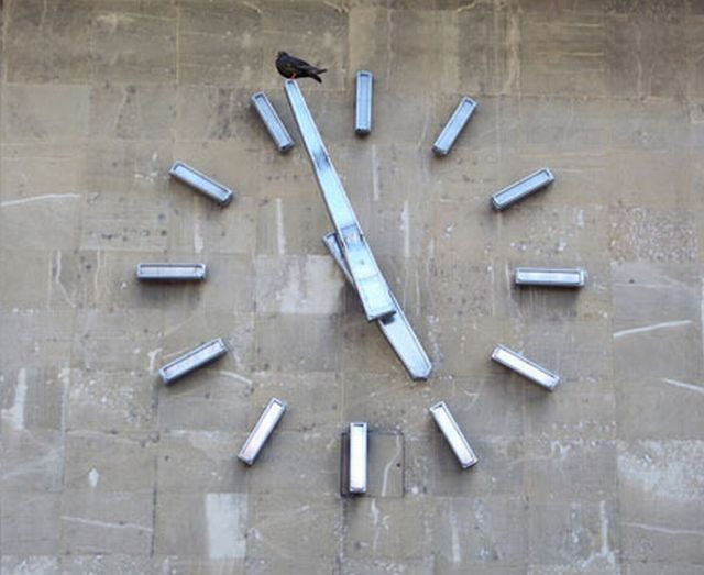 Pigeon Clock (3 pics)