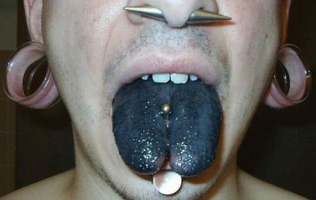 Interesting Tattoos on the Tongue (22 pics)