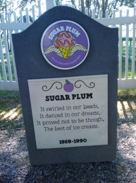 Ice-Cream Cemetery (12 pics)