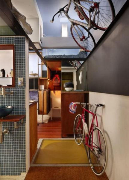 A Tiny Apartment That Has Everything (7 pics)