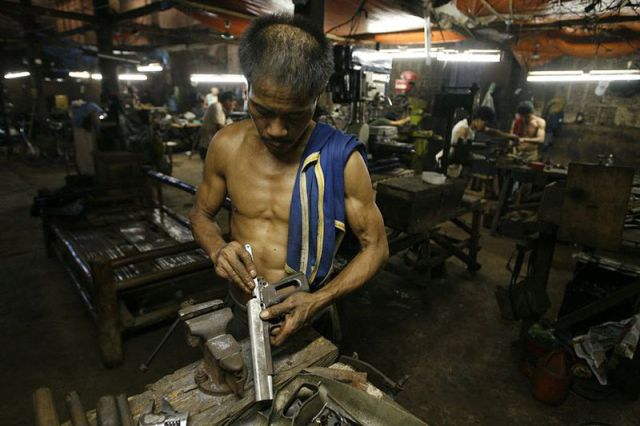 Counterfeit Factories (37 pics)