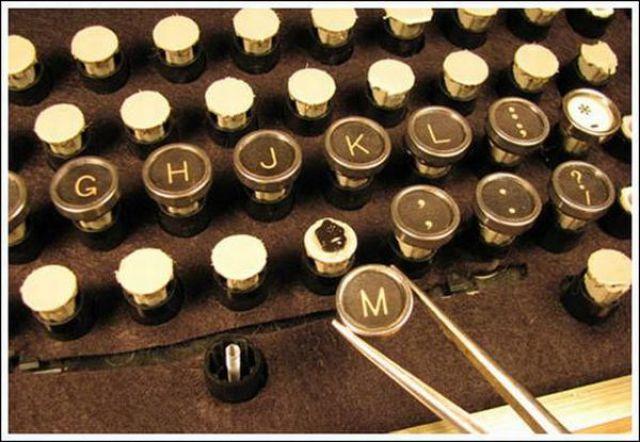 How to Make a Steampunk Keyboard (43 pics)