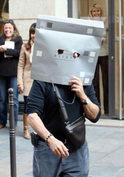Comedic Celebrity Disguises (24 pics)