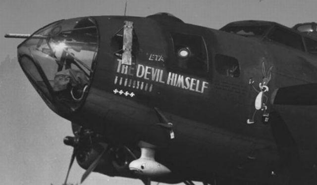 Amazing Aircraft Nose Graffiti (19 pics)