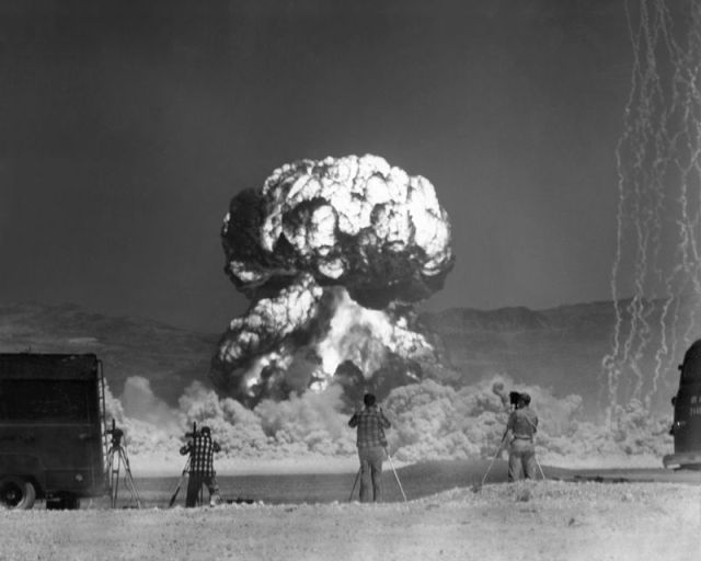 The Power and Violence of the Atomic Bomb in Pictures (22 pics)