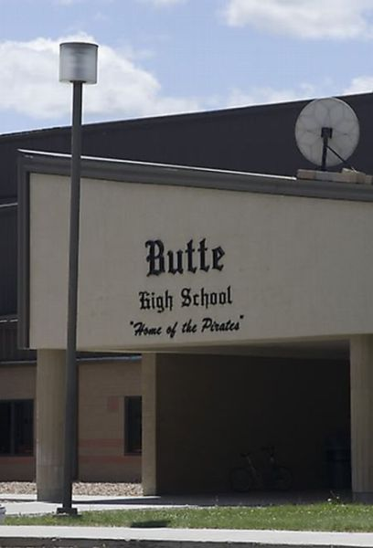 Poor Choice of School Names (19 pics)