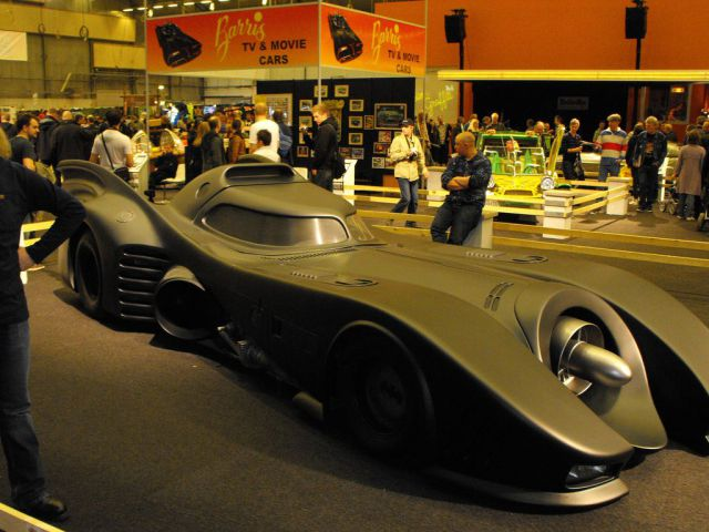 Famous Movie Cars (43 pics)