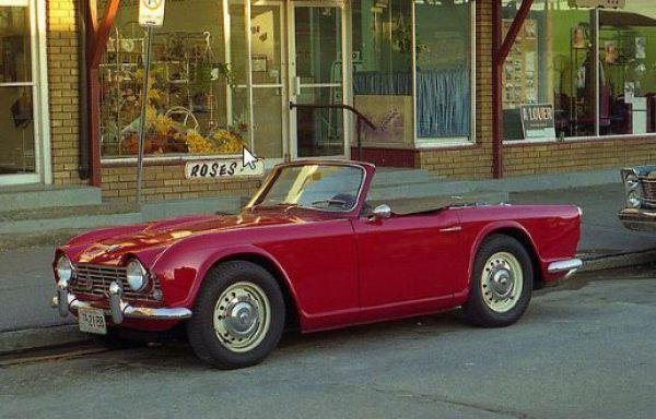 Famous Movie Cars (43 pics)