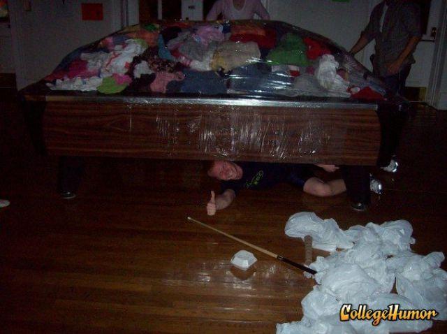 Funny Dorm Pranks (33 pics)