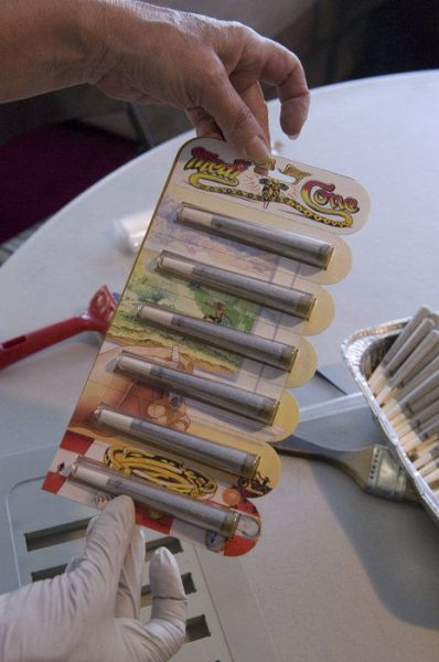 Marijuana Cigarettes for Your Health (15 pics)