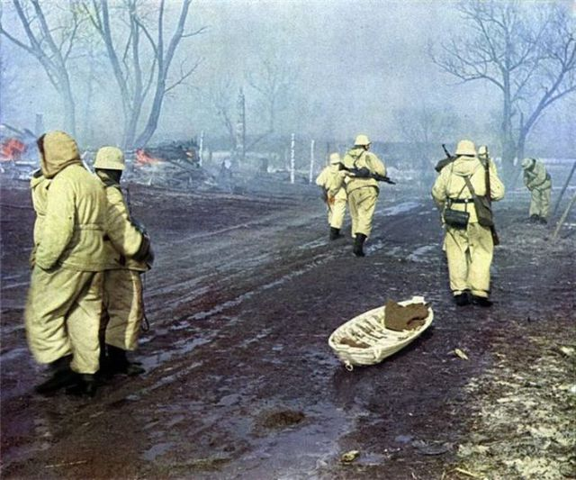 World War II in Color (44 pics)