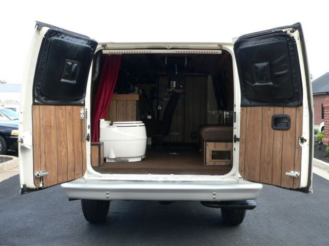 An Ordinary Van.. Until You Look Inside (13 pics)