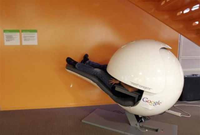 Visiting the Google Headquarters (32 pics)