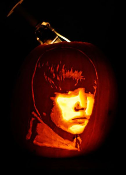 How to Make a Justin Bieber Pumpkin (5 pics)