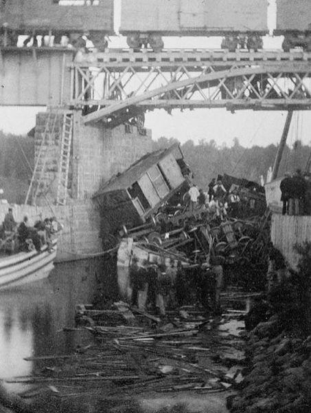 Biggest Train Wreck in Canada (1 pic)