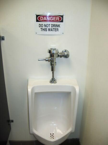 Odd and Hilarious Warning Signs (32 pics)