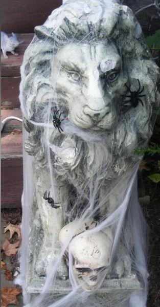 Halloween House (8 pics)