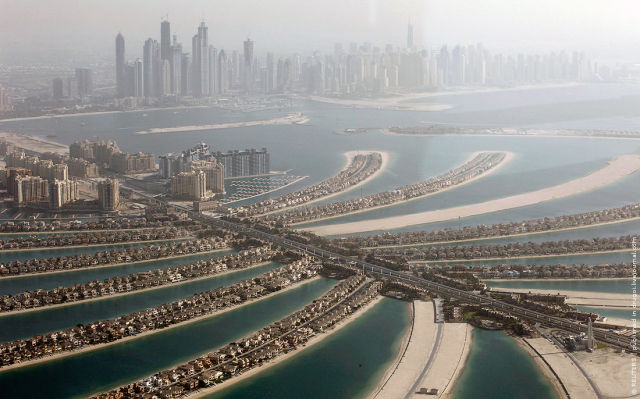 Aerial Shots of Dubai (8 pics)