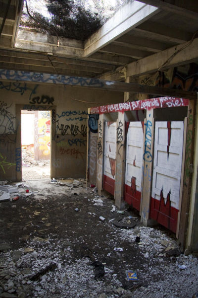 Abandoned Buildings in San Francisco (28 pics)