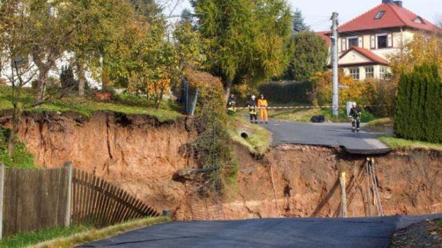Horrific Landslide (12 pics)