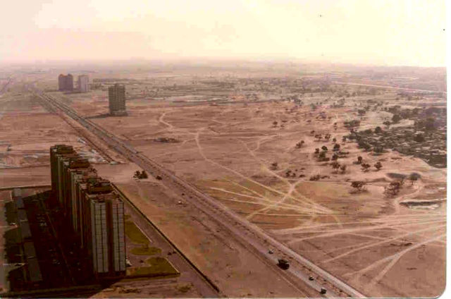 Dubai and Las Vegas: Then and Now (6 pics)