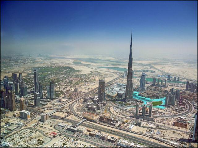 Dubai and Las Vegas: Then and Now (6 pics)