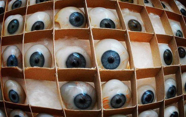 How to Make an Artificial Eye (11 pics)