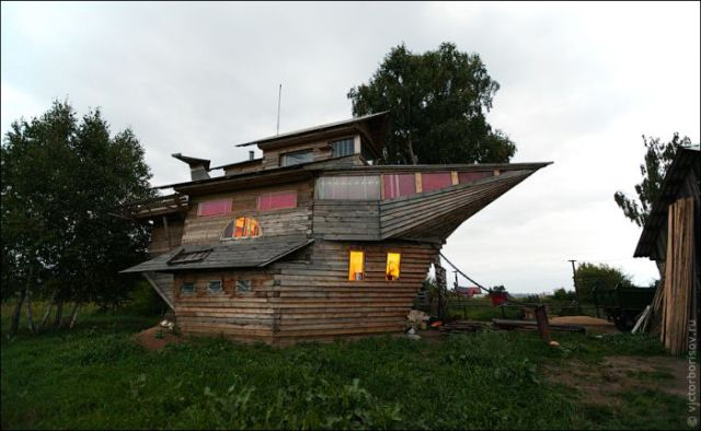 A Real Houseboat