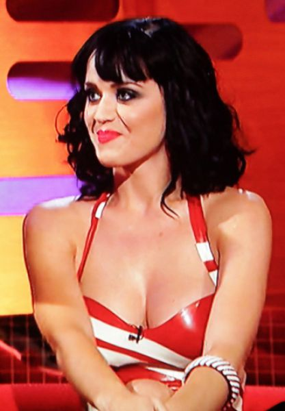 THE CLEAVAGE OF KATY PERRY