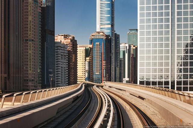 Dubai Driverless Metro Network