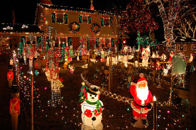 Tacky Christmas Decorations (42 pics) - Picture #23 - Izismile.com