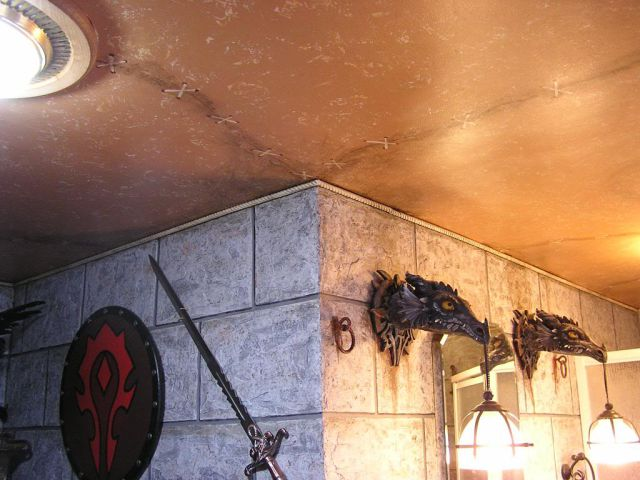 WoW Players Remodel Their Bathroom with a Horde Theme