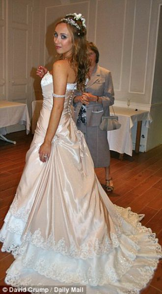 Tilted Tens: Wedding Gown Addiction
