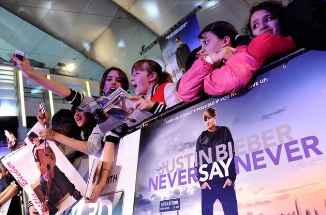 Beliebers Can Never Say Never To Justin Bieber